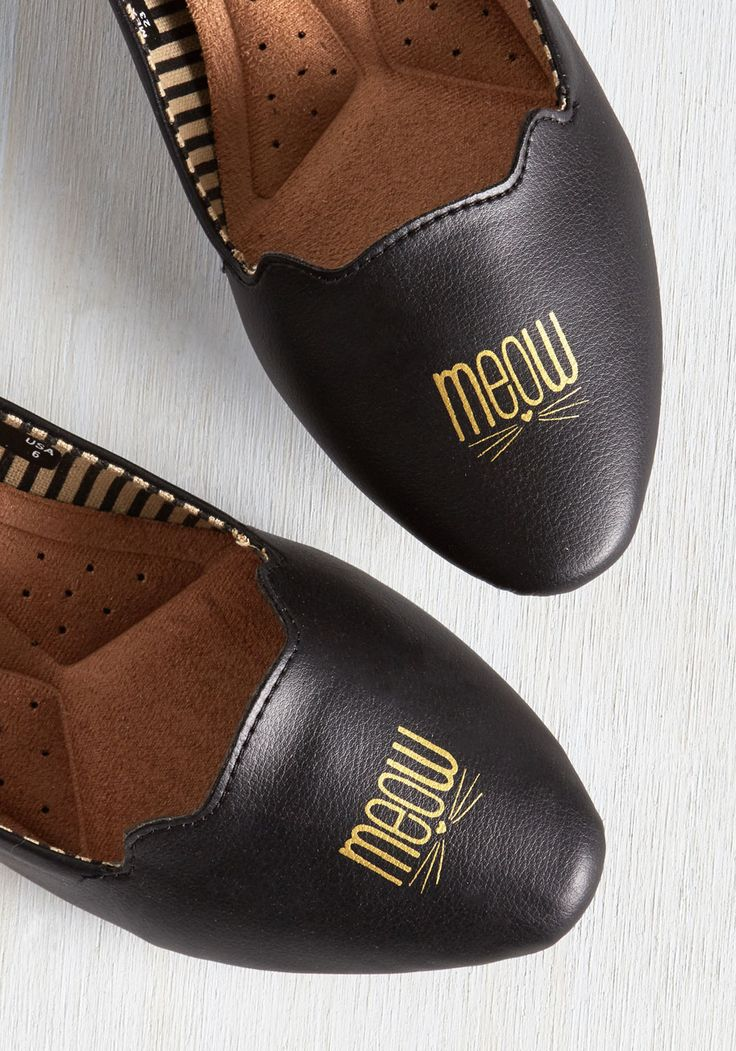 Be Seen and Heard Flat. We know youre a street style maven, and these black flats by Loly in the sky display a meow of agreement! #black #modcloth