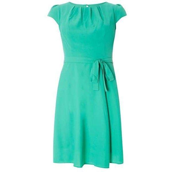 **Billie & Blossom Petite Green Chiffon Dress (1.265 CZK) ❤ liked on Polyvore featuring dresses, green dress, green color dress, chiffon dress, petite dresses and green chiffon dress