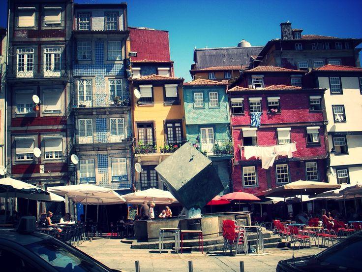 Foto de Edificios Pintorescos de Oporto. Foto protagonista del Proyecto de la A a la Z. http://1001tardes.blogspot.com.es/2014/09/e-de-edificios.html