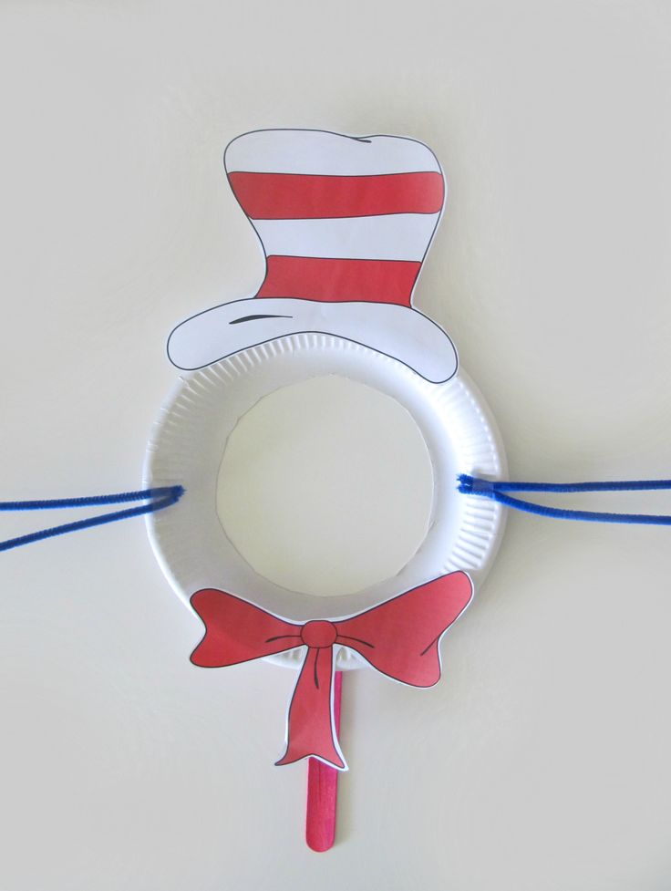 FREE Cat in the Hat resource. Dr Seuss masks that are super easy to make with TeachEzy Dr Seuss resource. www.teachezy.com www.earlychildhoodteachezy.com