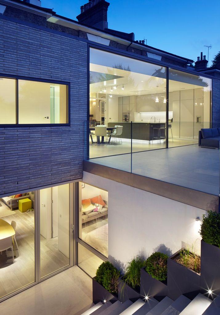 Victoriaans huis in Londen krijgt een moderne glazen aanbouw - Roomed