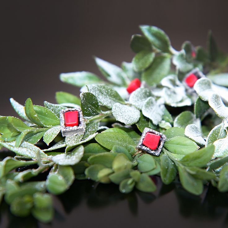 Pre-Holiday SALE! Use Promo Code SALE12OFF2014 to receive 12% OFF on all Contemporary Jewelry from 11/16-24. http://www.artnersgallery.com/ Why now? It takes time to make award winning contemporary jewelry and we don't want you to miss the holiday season. This is the only time our unique art jewelry will be sold at such low prices all year. So HURRY before it is too late!