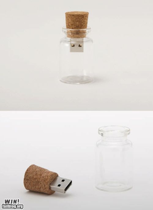 """Message"" in a bottle usb gadget A lovely product ;3"