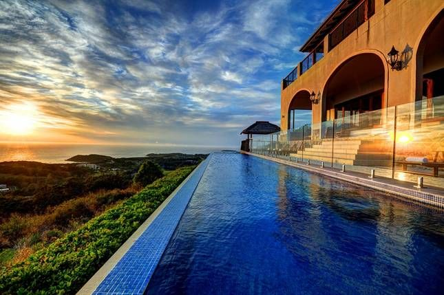 Stunning luxury villa @ Villa Vivante | Coffs Harbour, NSW | Accommodation. 2014 National Indulgence Award Winner. From $1100 per night. Sleeps 11.
