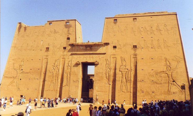 Tempio di Edfu - Wikipedia