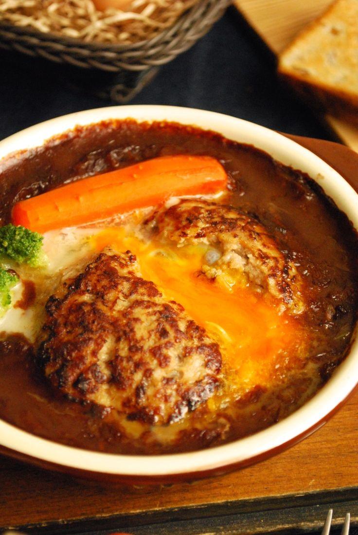 「レシピあり」中からトロトロ〜。冷凍卵inハンバーグのデミカレー煮込み |ザッキー☆のキャラ弁LIFE