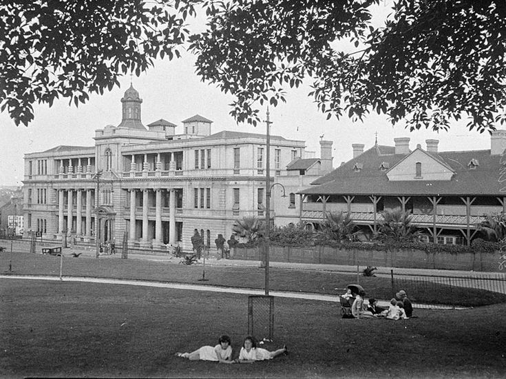 St Vincent's Hospital from Green Park,Darlinghurst,in eastern Sydney in c1927.A♥W