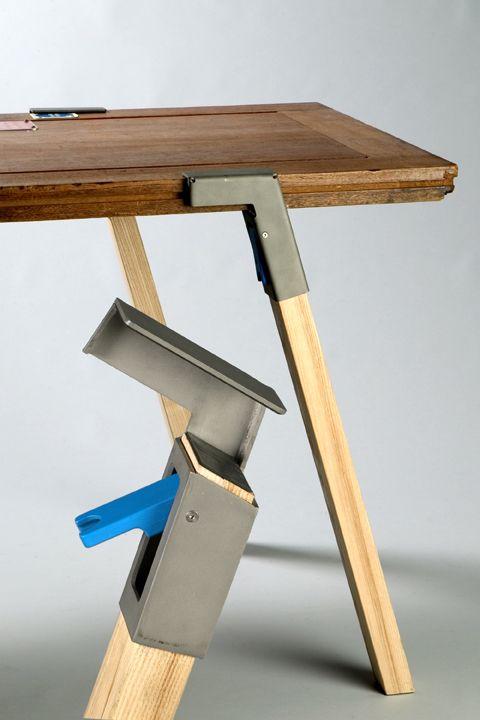 clamp a leg by Jorre van Arst/ leg clamping