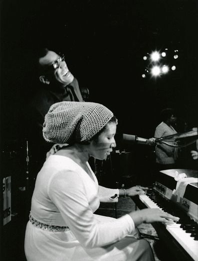 ARETHA FRANKLIN performing with RAY CHARLES at Fillmore West, San Francisco, 1971