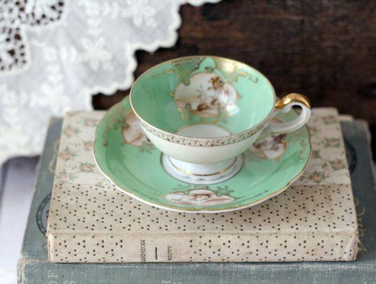 Grace & Ivy vintage tea cup