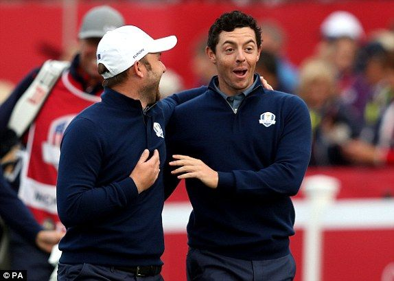 Rory McIlroy (right) and Andy Sullivan play it for laughs before the serious stuff starts  Read more: http://www.dailymail.co.uk/sport/golf/article-3809806/Ryder-Cup-2016-LIVE-standings-team-scores-golf-results-Team-USA-vs-Team-Europe.html#ixzz4Lwt5weQC  Follow us: @MailOnline on Twitter | DailyMail on Facebook