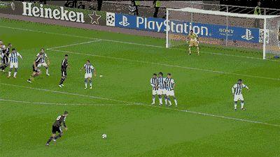 Filmato su goal champions league upload golazo freekick free kick bayer leverkusen jens hegeler #champions #championsleague