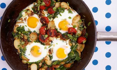 Braised eggs with tomato, spinach and yoghurt recipe | Yotam Ottolenghi