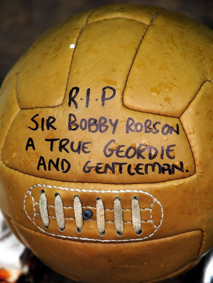 A tribute left for the late Sir Bobby Robson at St James' Park, Newcastle in August 2009.