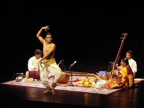 Danse Bharatanatyam (musée Guimet) by anniedalbera, via Flickr