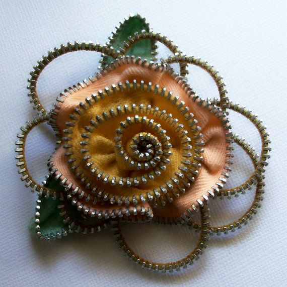 Pastel Peach and Apricot Floral Brooch / Zipper Pin by ZipPinning 1907