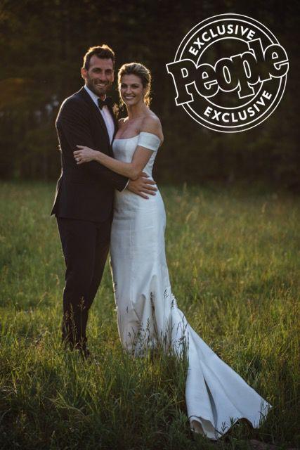 Celebrity Wedding: Erin Andrews & Jarrett Stoll. Stunning couple. Beautiful Carolina Herrara gown, June 24, 2017