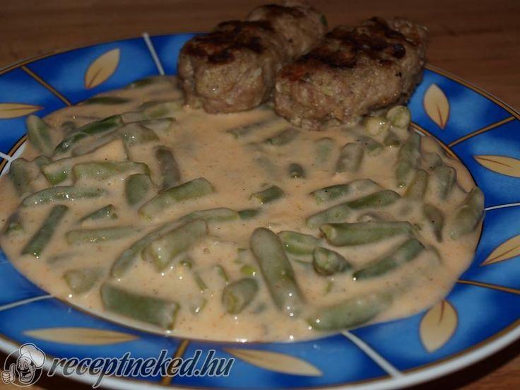 Kipróbált Tejfölös zöldbabfőzelék húsroláddal recept egyenesen a Receptneked.hu gyűjteményéből. Küldte: juhaszviki