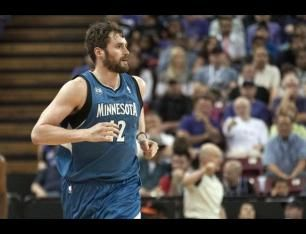Flip Saunders Expects Kevin Love to Stay with Timberwolves