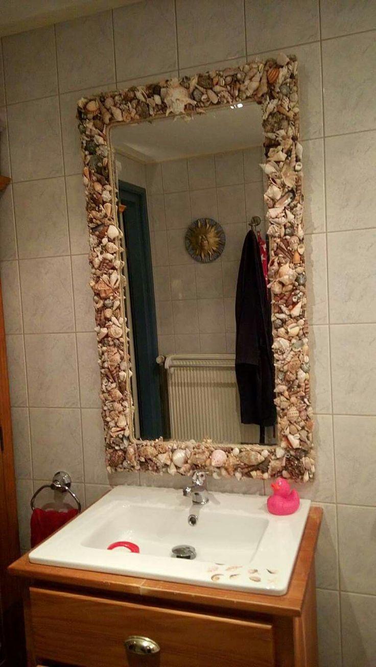 Schelpen spiegel in de badkamer