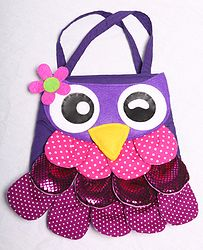 Every little girl loves a handbag! Check out this super cute owl bag featuring just enough sparkle to make it special for your little one! Now available on its own or why not save and make it part of a beautiful gift set! All available at www.kalisa.com.au