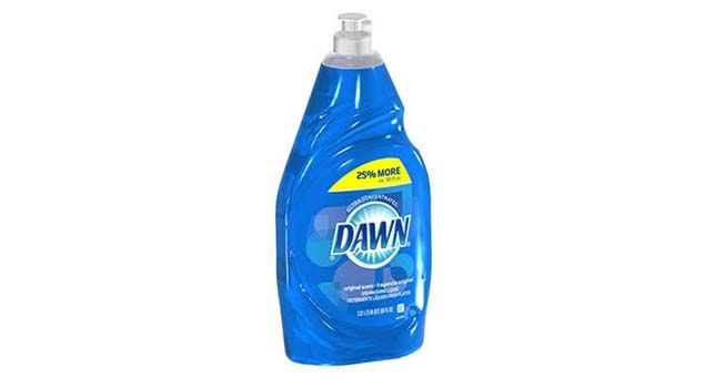 There are really so many great ways to use Dawn dish soap. Check them out!