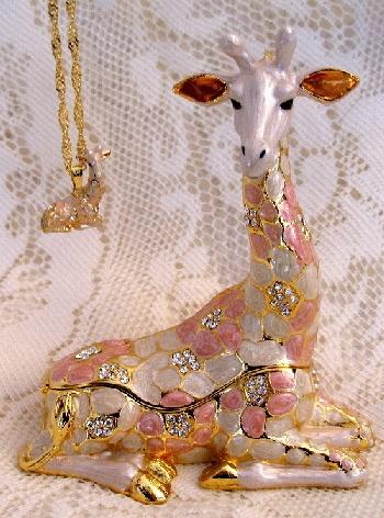 Bejeweled Giraffe (pink) with Swarovski Crystals Enamel Hinged Trinket Box