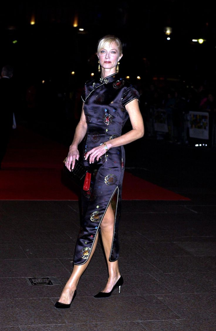 British Actress Joely Richardson in Black Patterned Cheongsam Qipao http://www.chinesefashionstyle.com/cheongsams-qipao