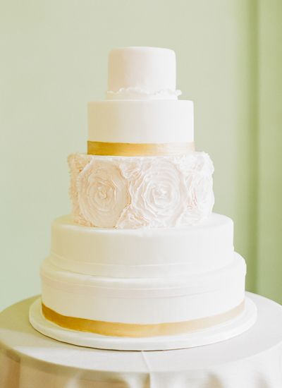 rosette wedding cake | Sawyer Baird