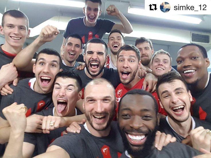 We are the champions! 🏆💍🔴⚪️🔴⚪️ #WeAreTheTeam #CrvenoBelaOfanziva #kkcz #Zvezdas」