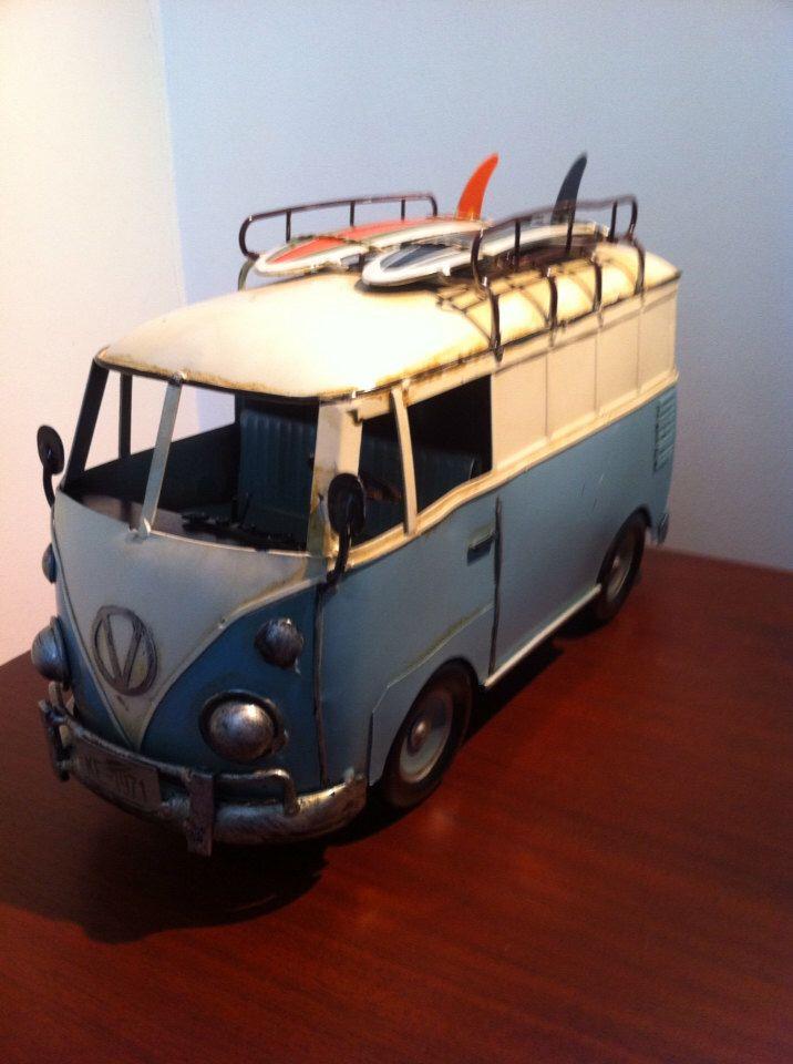 VW Bus Camper Van Split Screen Kombi Bus - Volkswagen Miniatur Metall Spielzeugauto - Geschenk für Surfer von phantomas2011 auf Etsy https://www.etsy.com/de/listing/152751324/vw-bus-camper-van-split-screen-kombi-bus