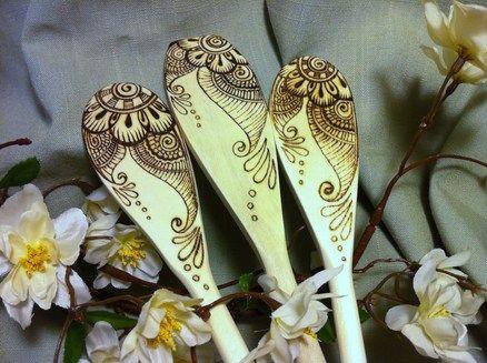 Beautiful wooden spoon faux henna art