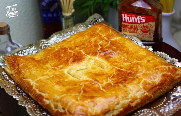 Empanada de hojaldre, carne y salsa barbacoa. Muy fácil de hacer y está riquísima***