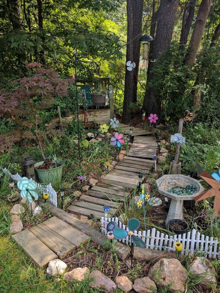 Gartengestaltung natürlich Stilthema Waldläufer  ...