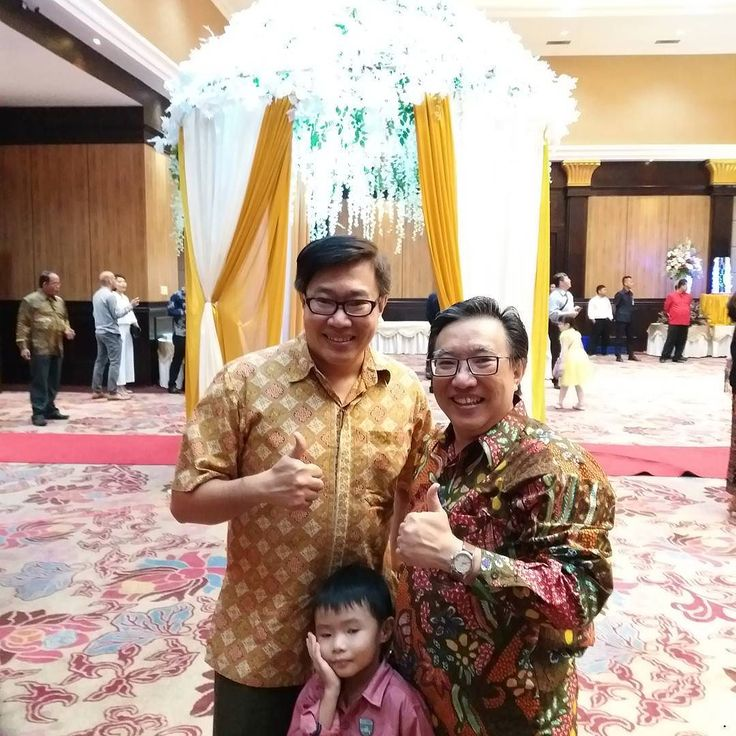 Wedding dinner @ Grand Slipi Tower . . . . . @martin_sori #batik #wedding #slipi #celebration