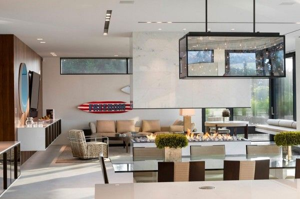Fireplace Ideas from Luxury Ocean House with Amazing Garden and Swimming Pool Ideas 600x399 Luxury Ocean House with Amazing Garden and Swimming Pool Ideas