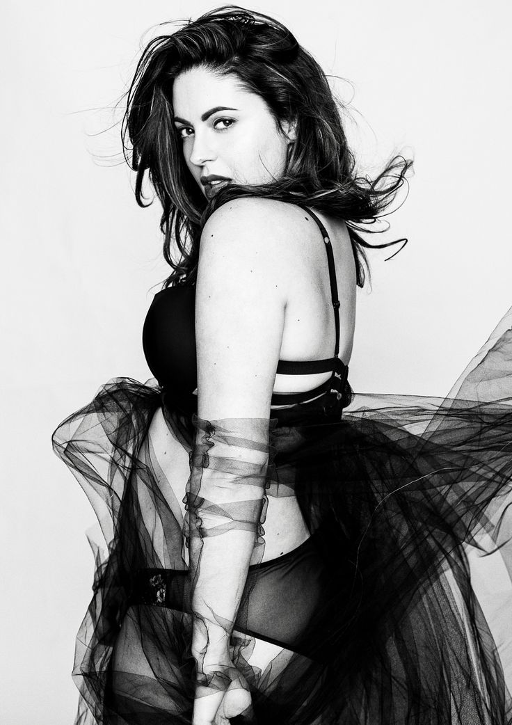 Curvy model Isabella Forget  Hair makeup and photo by Dariane Sanche   #plussizemodel #curvymodel #isabellaforget