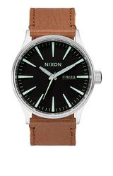 Sentry Leather | Relojes Hombre | Nixon Watches and Premium Accessories