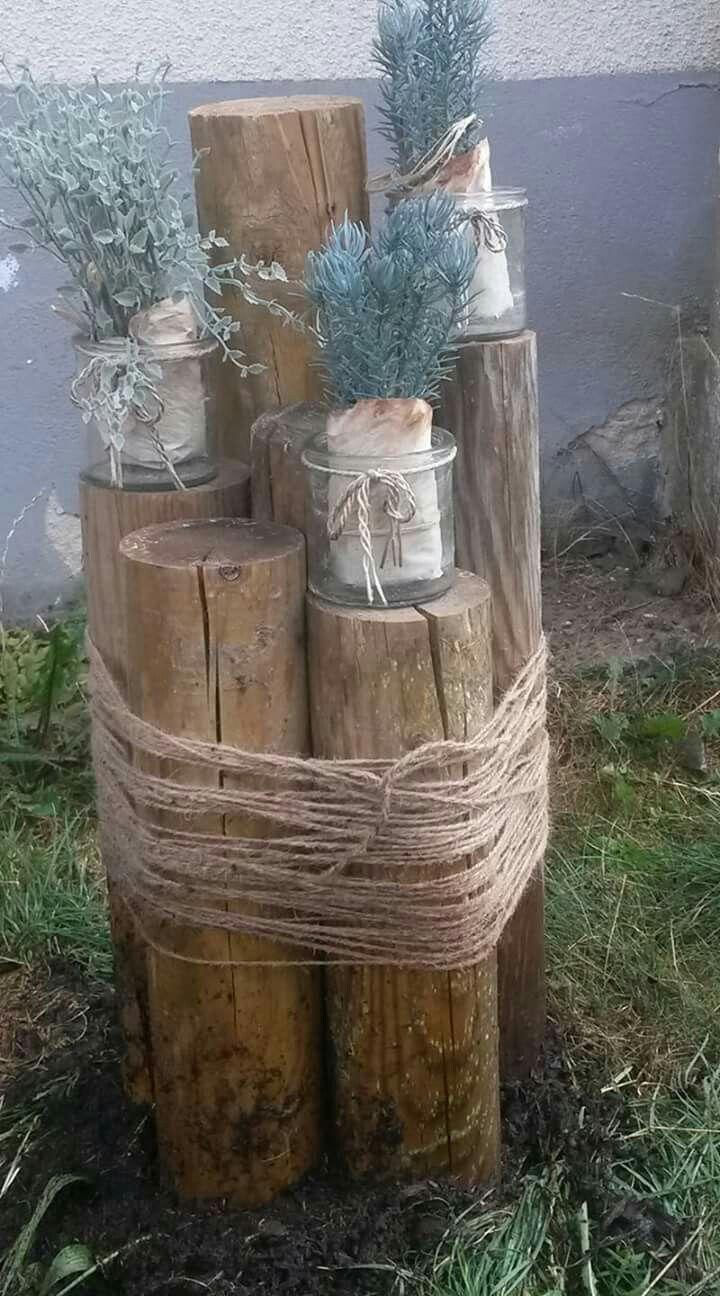 Decoración troncos y flores