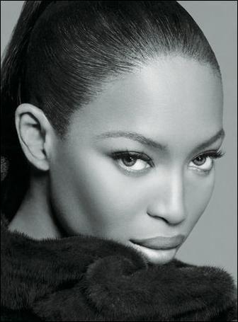 Richest Black Models - NAOMI CAMPBELL & TYRA BANKS - Net Worth $133