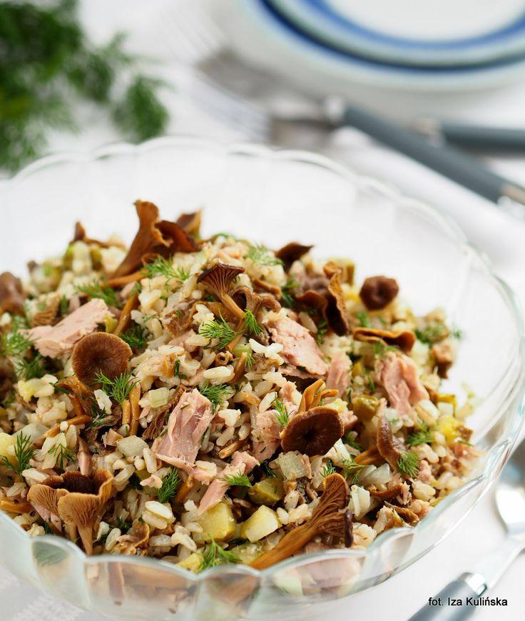 Smaczna Pyza: Ryż , tuńczyk , grzyby marynowane - Sałatka z trąbkami