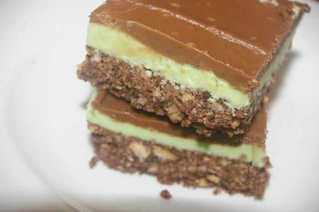 No Bake Chocolate Peppermint Slice