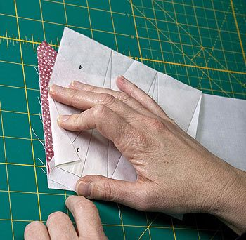 Freezer paper foundation piecing technique where you don't sew through the paper!: Quilts Patterns, Paperpiecing, Quilt Patterns