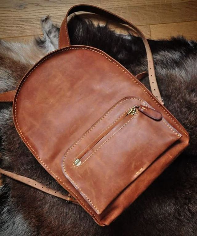 City leather backpack by @burtsevbags