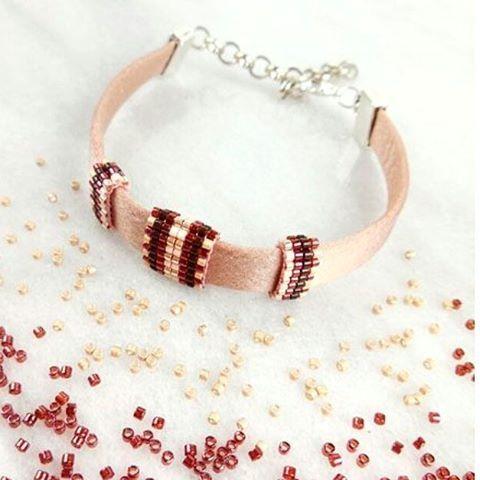 Luxe armband van DQ Zijde met zelfgemaakte 'ringen' van miyuki kralen - materialen via @beadsandbasics