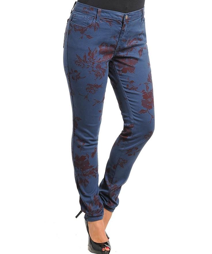 Jeans imprimé fleuri prune 39,99€ en boutique sur www.famaiks.com