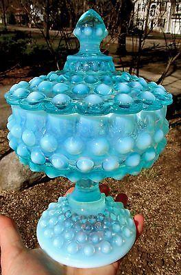 RARE-Vintage-Fenton-Blue-Opalescent-Acorn-Finial-Hobnail-Lidded-Glass-Candy-Dish