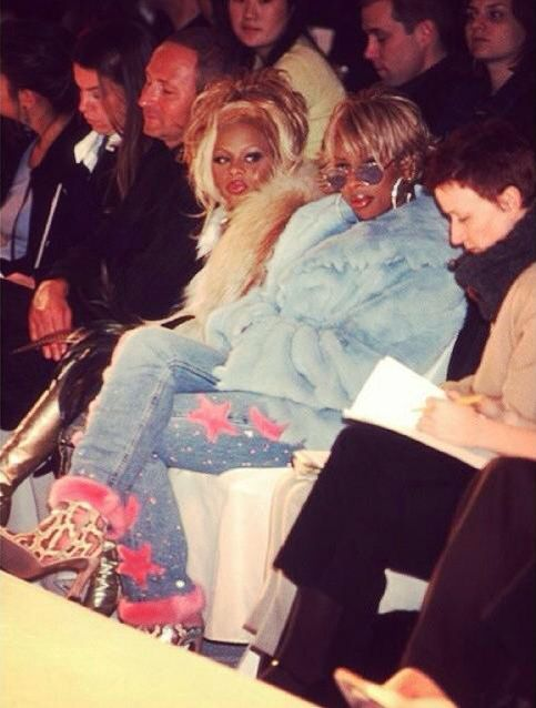 Mary j Blige and Lil Kim at  marc bouwer fall 2000 collection ghetto fabulous fab ratchet cute baby blue faux fur jacket coat pink pastel stars leopard print boots big hoop earrings