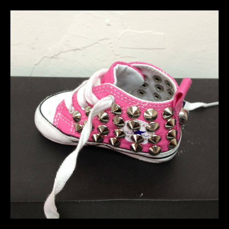 Pink baby all star..i will be doing this to my lil ones shoes!!