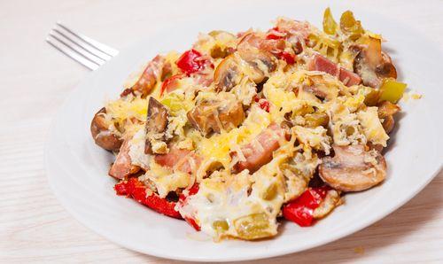 Το πιο εύκολο πρωινό με αυγά scrambled με μανιτάρια και κρεμμύδι - http://ipop.gr/sintages/orektika/to-pio-efkolo-proino-me-avga-scrambled-me-manitaria-ke-kremmidi/